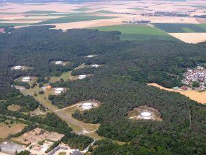Le Plateau de Cerny, les-cuves-de stockage des hydrocarbures