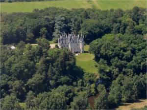 Chateau les Cotets en bordure de la Gartempe