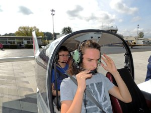 Embarquement pour le vol à bord du DR400 de l'aeroclub de Perigueux