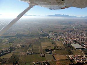 Vent Arrière 31 ou 33 à Perpignan avec en fond le Canigou