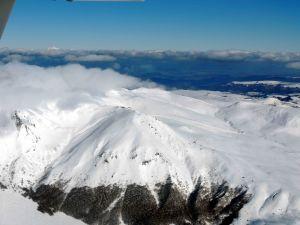 Les-sommets-du Sancy-accroches-par-les-nuages