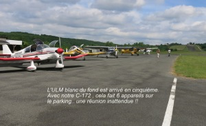 The far-end ultra-light is the fifth one.With our C-172, SIX machines on the parking..A nice unexpected gathering !!