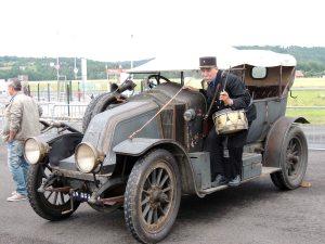 Une renault de 1909
