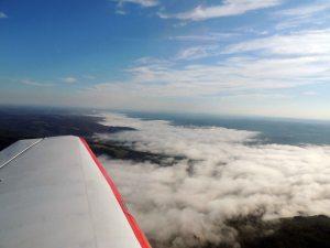La vallée de la Vézère sous le brouillard