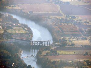 Le barrage de Tuilières sur la Dordogne