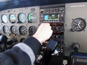 Au cas où l'Ipad soit mal paramétré, il y a le GPS de l'avion.