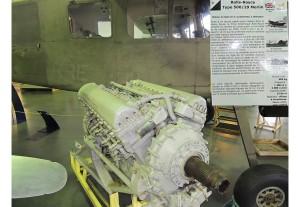 Moteur 12 cylindres en V Rolls Royce qui équipait les Spitfire MK5