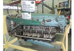 Moteur 12 cylindres en V inversé