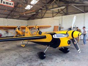 La pause à l'ombre du hangar de l'aéroclub