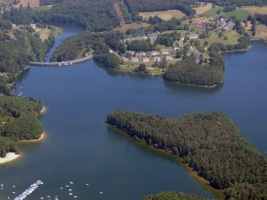 Le lac-La Roque Brou