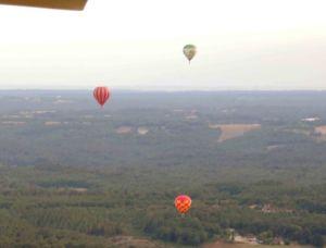 Des montgolfières dans le ciel périgourdin