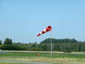 Piste-11-en-service a Castelnaudary avec-un-vent-face-de-25-noeuds